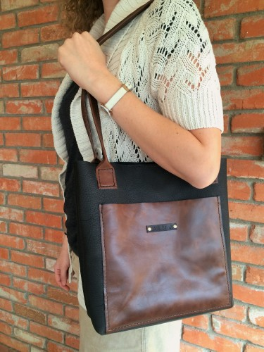Karen Tote Bag Over the Shoulder